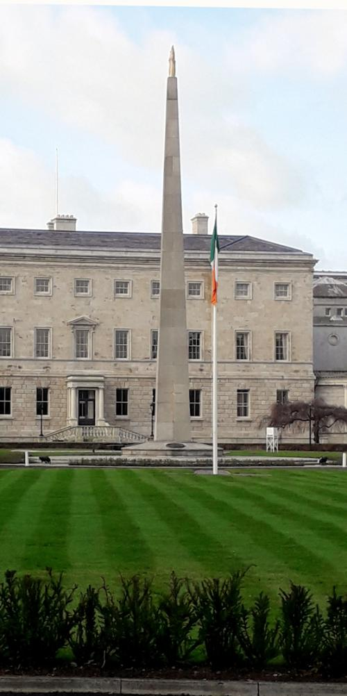 Dublin 02, Leinster Lawn