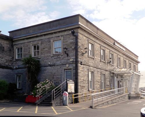 Sligo, MacDiarmada Station