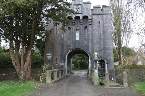 Birr Castle Gatehouse