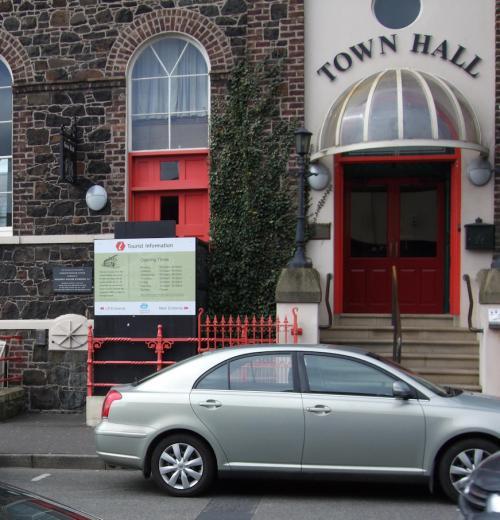 Lurgan, Town Hall